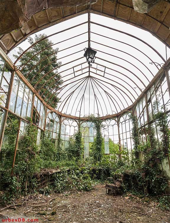 Enjoyable Urbex Db Feature Victorian Greenhouse Belgium Interior Design Ideas Gresisoteloinfo